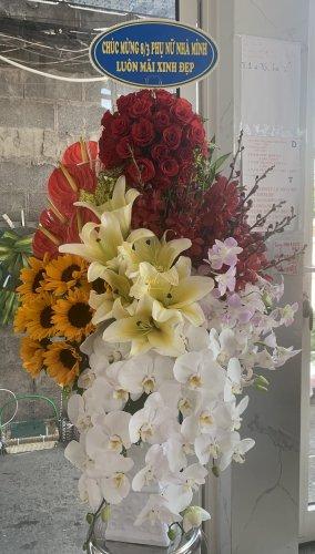 Bình hoa chúc mừng ngày 8/3 đầy ý nghĩa - LDNK44