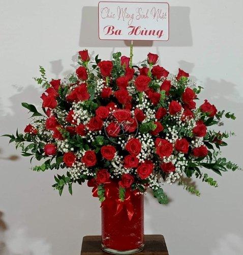 Bình hoa hồng đỏ rực rỡ chúc mừng sinh nhật - LDNK14
