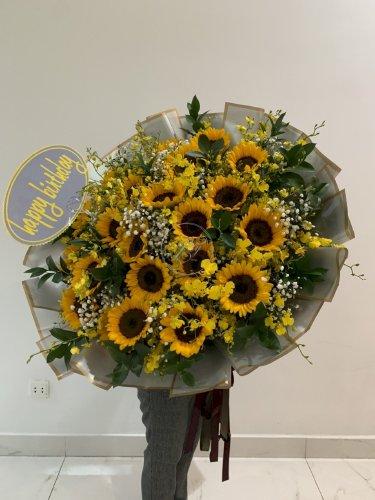 Bó hoa hướng dương khổng lồ chúc mừng sinh nhật - LDNK60