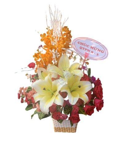Giỏ hoa chúc mừng sếp nữ ngày 8/3 - LDNK12