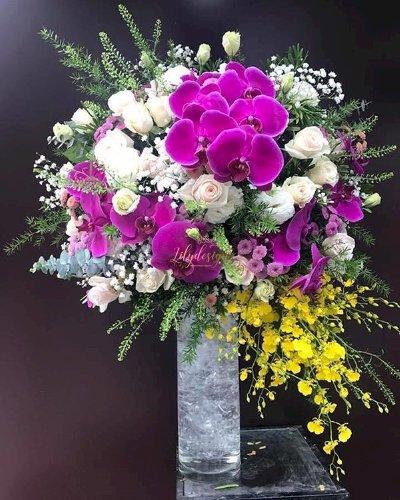 Bình hoa chúc mừng lan hồ điệp, hoa hồng - LDNK81