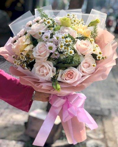 Bó hoa chúc mừng mẹ tròn con vuông - LDNK125