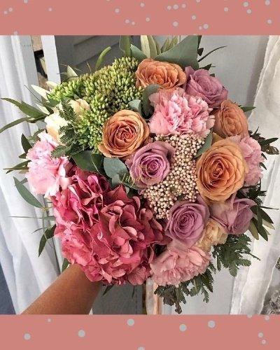 Bó hoa cưới cầm tay tone hồng - LDNK222