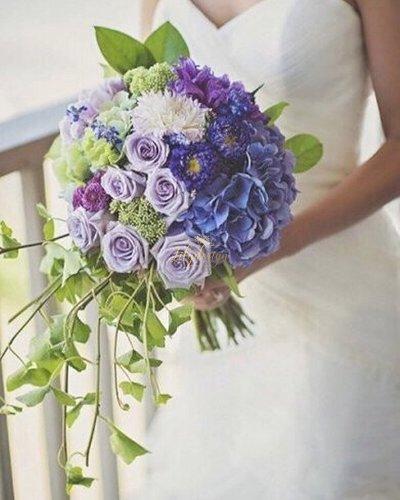 Bó hoa cưới tone màu tím xanh lãng mạn - LDNK95