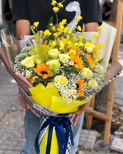 Bó hoa tone vàng chúc mừng sinh nhật - LDNK109