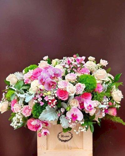 Giỏ hoa tươi đẹp tặng sinh nhật cô - LDNK164