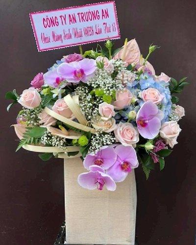 Hộp hoa mừng sinh nhật sang trọng - LDNK152