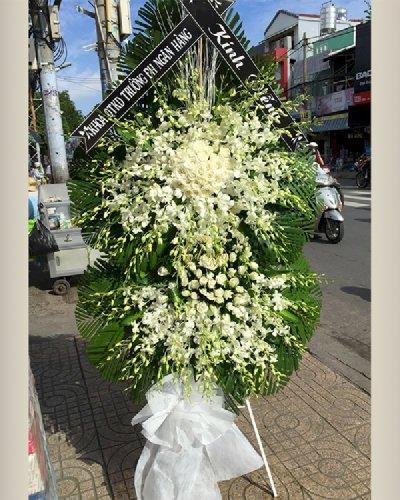 Kệ hoa chia buồn lan trắng, hoa hồng trắng  - LDNK213