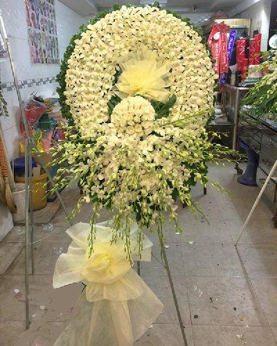 Vòng hoa lan trắng chia buồn - LDNK215