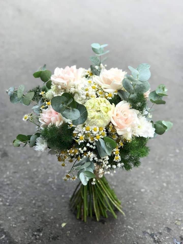 Bó hoa cưới cầm tay đẹp hiện đại - LDNK75