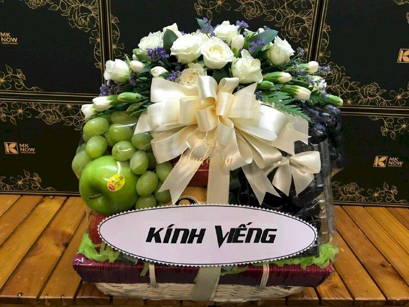Giỏ hoa tươi trái cây kính viếng - HTNK02