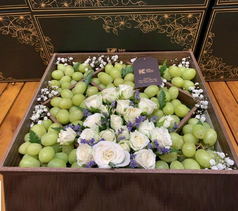 Hộp hoa trái cây tươi viếng đam tang sang trọng - HTNK04