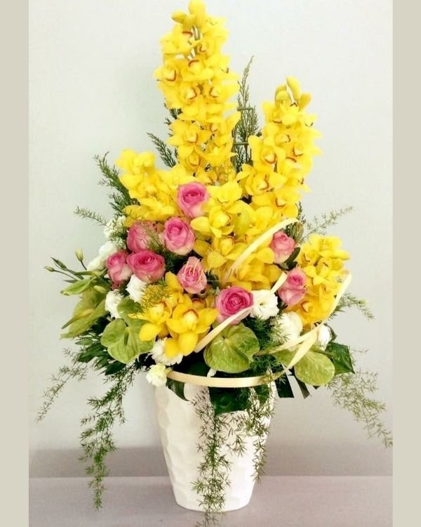 Bình hoa địa lan vàng chúc mừng khai trương - LDNK221