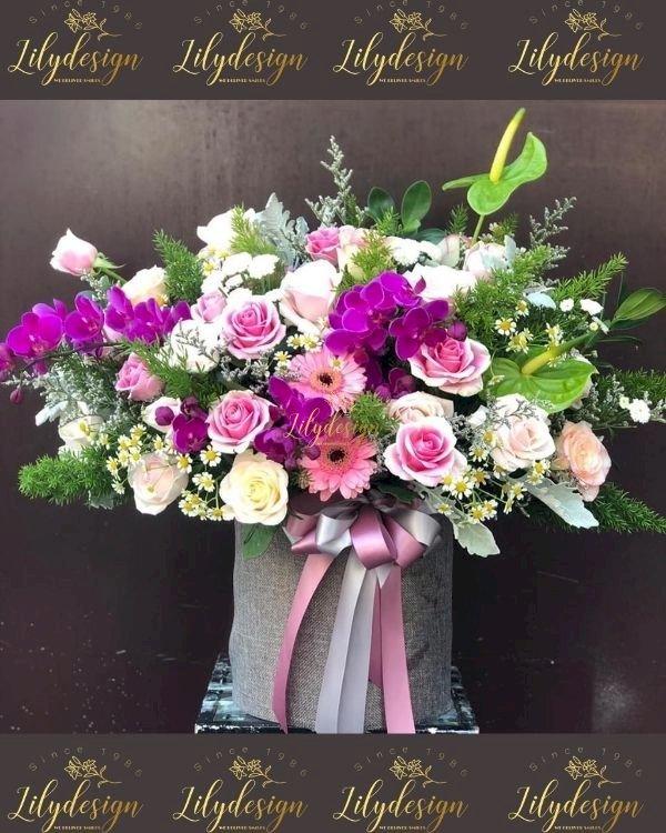 Giỏ hoa chúc mừng mùng 8 tháng 3 đẹp - LDNK236