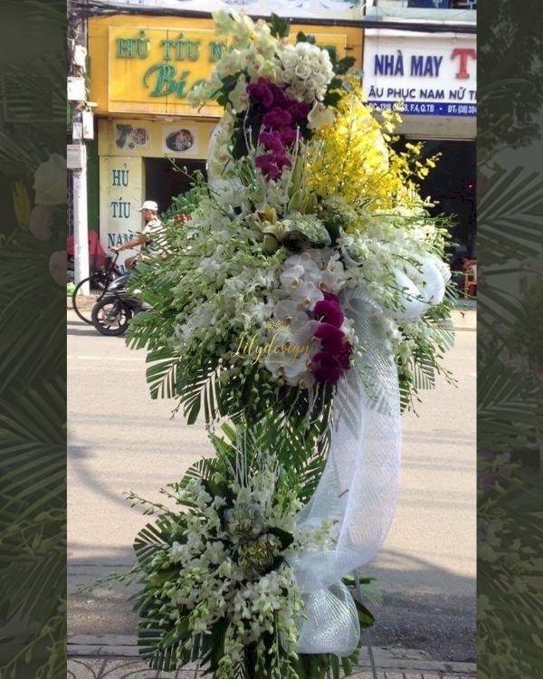 Kệ hoa chia buồn phúng điếu đẹp - LDNK242