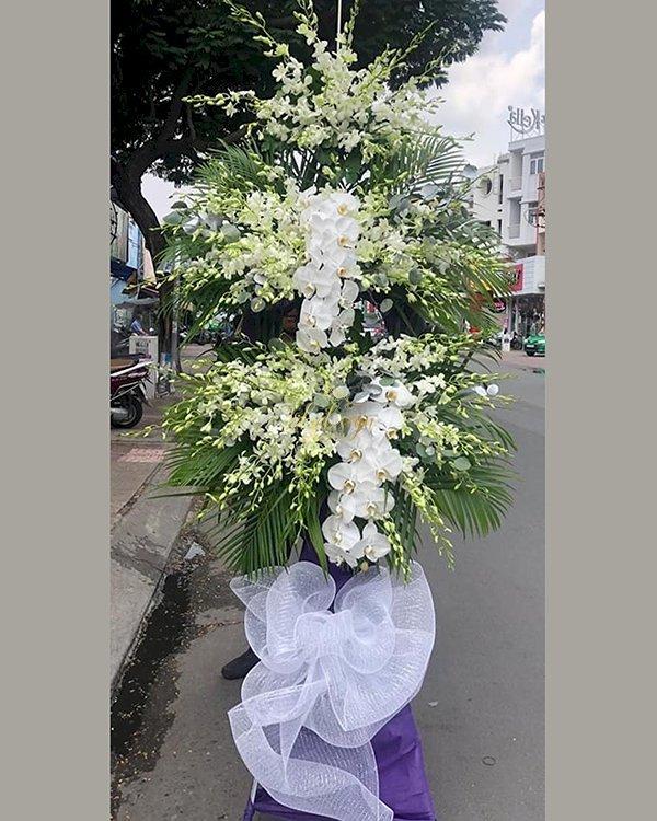 Kệ hoa đám tang hoa lan trắng - LDNK206