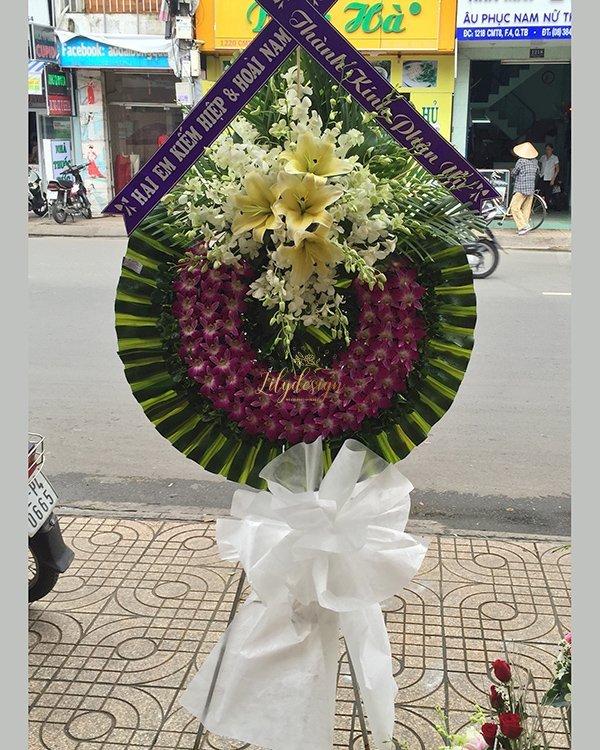 Vòng hoa chia buồn thành kính phân ưu - LDNK217